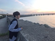 (170510) Minhyuk's Fancafe update  Yes.. It's the end.  I took this picture in Japan but my expression looked gloomy so didn't post.    translated by monstaxtrans
