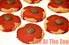 Remembrance Sunday Cookies, a great fund raiser as well as a way to talk to your child about the day. via www.lifeatthezoo.com