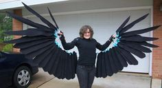 Like the wing scale and that it is attached to the arm rather than free standing. Cosplay Wings, Cosplay Diy, Halloween Cosplay, Best Cosplay, Cosplay Costumes, Halloween Costumes, Glitter No Rosto, Crow Costume, Steampunk Cosplay