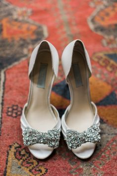 Glam bow shoes: http://www.stylemepretty.com/2015/06/05/romantic-race-religious-new-orleans-wedding/ | Photography: Nicole Berrett - http://www.berrettphotography.com/