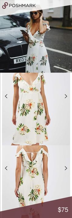 Topshop Floral Print Wrap Dress Topshop floral midi dress with shoulder cut outs Topshop PETITE Dresses Midi Dresses For Teens, Trendy Dresses, Summer Dresses, Holiday Outfits, Spring Outfits, Fashion Moda, Petite Dresses, Dance Outfits, Shoulder Cut
