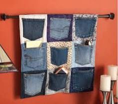 Need a cool way to recycle your old jeans? How about some extra storage? This denim pocket upcycle project at Cloth Paper Scissors is right up your alley. Diy Jeans, Artisanats Denim, Denim Purse, Jean Diy, Sewing Pockets, Denim Ideas, Denim Crafts, Recycled Denim, Recycled Crafts