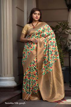 Sabyasachi Sarees, Bollywood Saree, Indian Sarees, Kanchipuram Saree, Banarasi Sarees, Silk Sarees, Designer Gowns, Indian Designer Wear, Indian Dresses
