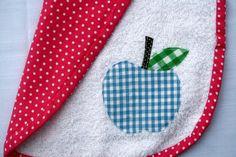 apple applique bib