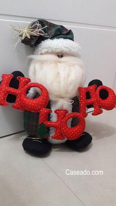 Caseado.com - Arte em patchwork e feltro Manta Polar, Diy And Crafts, Holiday, Christmas, Crochet Necklace, Santa, Merry, Angeles, Patterns