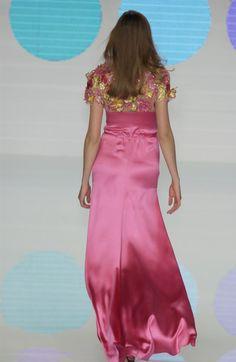 Valentino at Paris Fashion Week Spring 2004 - Livingly