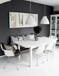 Most Design Ideas White Dining Room Sideboard Pictures, And Inspiration – Modern House schwarzezimmer White Dining Room Sideboard: 10 Modern Black And White Dining Room Sets That Will Room Design, Interior, Home, White Dining Room Sets, White Dining Room, House Interior, Dining Room Decor, Scandinavian Dining Room, Interior Design