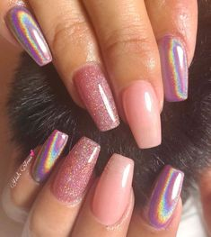 There are many types of nail art patterns, and sometimes you don't know what kind of nail design to choose the most fashionable and temperament. Choosing the right manicure, the whole person… Gradient Nails, Matte Nails, Gel Nails, Stiletto Nails, Holographic Nails Acrylic, Short Nails Acrylic, Dark Nails, Solid Color Nails, Nail Colors