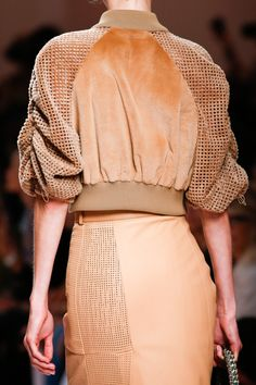 Fendi Spring 2019 Ready-to-Wear Collection - Vogue Muslim Fashion, Modest Fashion, Fashion Dresses, Womens Fashion Online, Latest Fashion For Women, Fashion 2020, Fashion Show, Resort Dresses, Modest Dresses