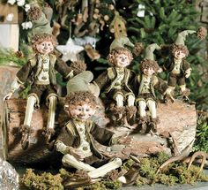 Basil elves Santa Christmas, Country Christmas, Christmas Ideas, Faeries, Gnomes, Beautiful Gardens, Mystic, Garden Sculpture, Christmas Decorations