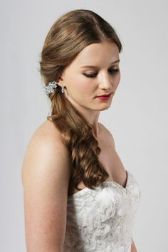 Sweeping side do with crystal comb Bridesmaid Accessories, Bridal Accessories, Side Swept Hairstyles, Hair Decorations, On Your Wedding Day, Headpiece, Wedding Hairstyles, Crystals, Stylish