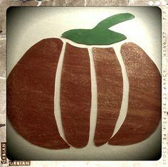 Atelier peinture,paillettes , découpage et collage..Pumpkin party.
