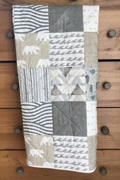 craft craft diy craft for kids craft no sew craft to sale Quilt Baby, Baby Boy Quilt Patterns, Quilted Baby Blanket, Bear Blanket, Baby Boy Bedding, Owl Patterns, Neutral Baby Blankets, Neutral Baby Quilt, Owl Quilts