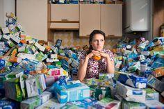 Antoine Repessé est un photographe français. Il vient de publié des photos de déchets qu'il a accumulé pendant quatre ans afin de dénoncer la pollution.