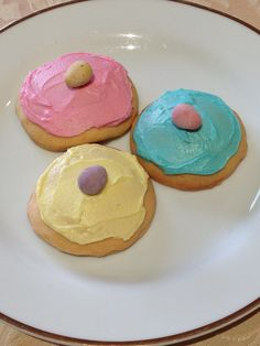 When we lived in Canberra, our lovely friends at Church would bring us some Figolli (traditional Maltese Easter biscuits) every Easter Sunday. As they were such a favourite with all of us, when we … Malta Food, Easter Biscuits, Easter Treats, Easter Food, Buttery Biscuits, Mini Eggs, Easter Traditions, Biscuit Cookies, Easter Recipes