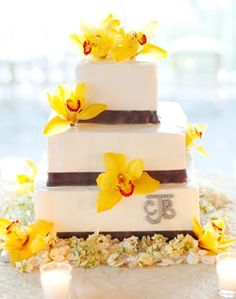 cake but with purple flowers