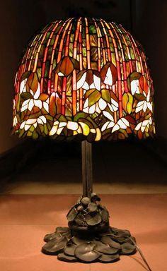 """Tiffany """"Flowering Lotus"""" Lamp"""
