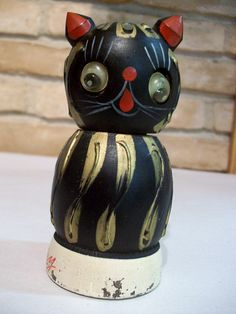 vintage kitten pepper mill with googly eyes