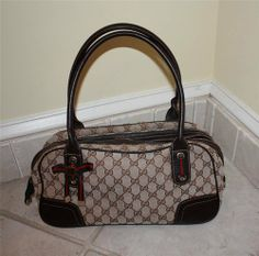 Beautiful 100% Authentic Gucci Pre Owned Shoulder Bag Purse Canvas and Leather - $330 Bowling Bags, Gucci Purses, Louis Vuitton Damier, Purses And Bags, Shoulder Bag, Canvas, Leather, Beautiful, Clothes