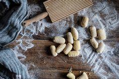 Bramborové gnocchi Gnocchi, Kitchenette, Cinnamon Sticks, Spices, Food, Spice, Essen, Meals, Yemek