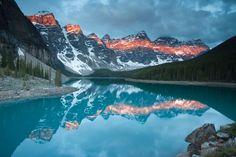 The Right Light: Photographing Big Mountains. Moraine Lake - Grant Ordelheide