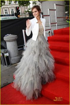 Emma Watson - absolutely love her style Evening Dresses, Prom Dresses, Wedding Dresses, Pretty Dresses, Beautiful Dresses, Emma Watson Style, Winter Mode, Red Carpet Fashion, Dream Dress