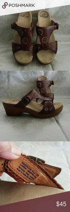 Dansko Shoes Cute and comfortable shoes beautiful cutout detail Dansko Shoes