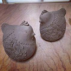 来年は酉年。デザインも決まりましたので、制作開始しました!11月から御披露目予定です。 #陶器 #陶芸 #ceramic #干支 #chicken #辻本喜代美#アトリエ陶喜
