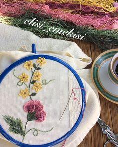 Desenimiz ortaya çıkmaya başladı Güzel olacak gibi ne dersiniz  Günümüz bereketli cumanız hayırlı olsun #elisiemekisi#embroidery#handmade#havlu#nakış#elnakışı#çeyiz#ceyizhazirligi#siparis#renkler