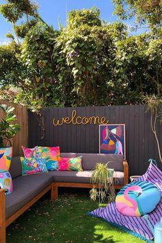 Inspiring Backyard Oasis Ideas to Freshen Your Outdoor View - SeemHome Balcony Design, Garden Design, House Design, Backyard Patio Designs, Backyard Landscaping, Outdoor Furniture Sets, Outdoor Decor, Outdoor Sofa, House Colors