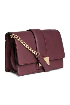 Kuvahaun tulos haulle h&m leather shoulder bag burgundy Bordeaux, Fashion Shoes, Kids Fashion, H&m Online, Leather Shoulder Bag, Fashion Online, Burgundy, Good Things, Accessories