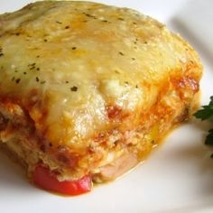 Chicken and Roasted Garlic Lasagna - easy to make and very delicious. I loved the flavor of the chicken with the creamy ricotta cheese. It was a big hit with everyone