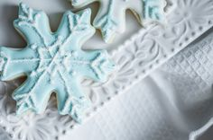 Sugar Cookie Ornaments from 11 Snow-Themed Desserts