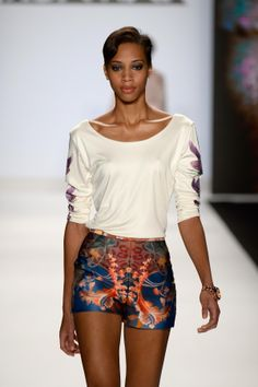 new york fashion week 2014 | Runway Spring 2014 fashion show during Mercedes-Benz Fashion Week ...