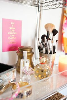 35 Design Ideas To Make Every Room In Your House Prettier | Organize makeup brushes and perfumes