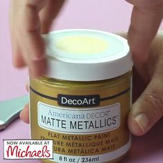 Create the vintage matte sheen you've been dreaming of with Americana Decor®  Matte Metallic™ paint. Diy Furniture Projects, Paint Furniture, Furniture Makeover, Diy Projects, Diy Crafts Hacks, Home Crafts, Upcycled Home Decor, Diy Home Decor, Home Decor Paintings