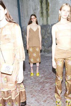 Sfilata N°21 Milano - Pre-collezioni Primavera Estate 2018 - Vogue