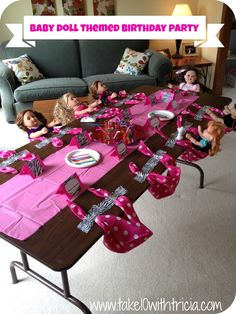 Great idea to seat lots of dolls at a party. I really like the playdoh idea for kids to do in between craft activities.