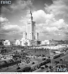 Palace of Culture, 1955 Polish Government, Warsaw City, Warsaw Uprising, Old City, Beautiful Buildings, Empire State Building, Geography, Old Photos, Interior Architecture
