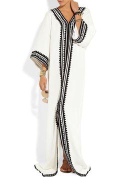 You know I love a good caftan. Abaya Style, Hijab Style, Silk Kaftan, Caftan Dress, Abaya Fashion, Modest Fashion, Kaftan Designs, Moroccan Caftan, Mode Hijab