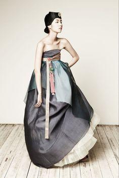 Designed by SUK-HYUN HANBOK Korean Fashion, Look Fashion, Fashion Art, Editorial Fashion, Fashion Design, Ulzzang Fashion, Fashion Glamour, High Fashion, Korean Dress