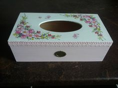 chustecznik Tissue Box Covers, Tissue Boxes, Painting Glass Jars, Decoupage Box, Acrylic Resin, Casket, Diy And Crafts, Decorative Boxes, Shabby Chic