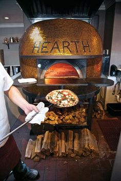 Brick oven pizza is one of my favorite things! Wood Oven, Wood Fired Oven, Wood Fired Pizza, Pizza Restaurant, Pizzeria Trattoria, Pizzeria Design, Oven Diy, Brick Oven Pizza, Four A Pizza