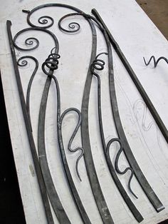 James Price love these lines Blacksmith Workshop, Blacksmith Forge, Blacksmith Projects, Metal Gates, Wrought Iron Gates, Metal Projects, Metal Crafts, Gates And Railings, Forging Metal
