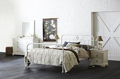 This lovely Shabby Chic bedroom features the St Germain frame and Corsica bedroom furniture. Shabby Chic Bedroom Furniture, Rustic Bedding, Camo Bedding, Dream Furniture, Bedding Master Bedroom, Home Bedroom, Bedroom Ideas, Guest Bedrooms, Bedroom Inspiration