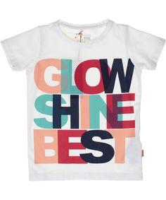 Name It trendy witte t-shirt met grote letters. name-it.nl.emilea.be