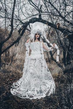 Stunning Paper Clothing And Accessories by Asya Kozina http://designwrld.com/stunning-paper-clothing-and-accessories-asya-kozina/