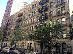 NY tem algumas ruas muito charmosas com edifícios antigos!