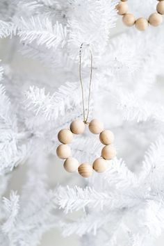 Diy Crafts Ideas : Treat your tree to some simple Nordic decor this year with these easy to make be
