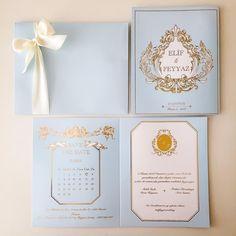 """""""Marie Antoinette"""" Düğün DavetiyesiAdına filmler çekilen,kitaplara konu olan,stil ikonlarina ilham veren masalsi kraliçe #adamavva #davetiye #davetiyetasarim #tasarimdavetiye #invitations #weddinginvitations #weddingstyle #dugunhikayesi #davetiyemodelleri #hochzeitskarten #bruiloft #dugundavetiyesi #weddinginspiration #kisiyeozel #luxuryinvitations"""